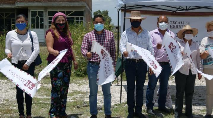 Erasto Amador inicia obra de agua potable en Ajajalpan