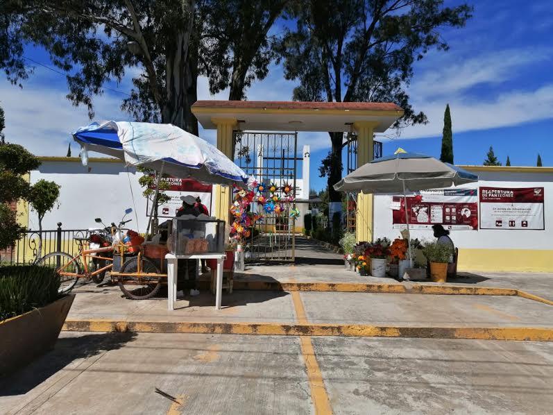 Abrirán puertas 31 panteones en cuatro municipios durante Temporada de Muertos
