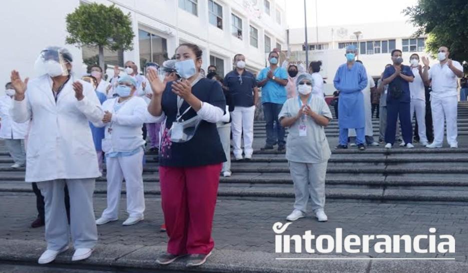 Convoca Miguel Barbosa a médicos particulares a trabajar para el sector salud