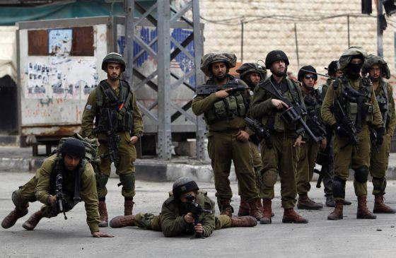 Ejército israelí abre fuego contra hombres armados cerca de frontera siria