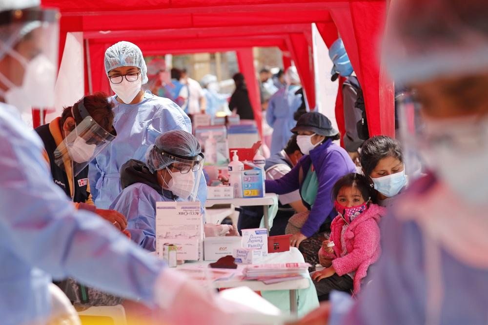 Colombia y Perú superan los 800 mil casos de coronavirus