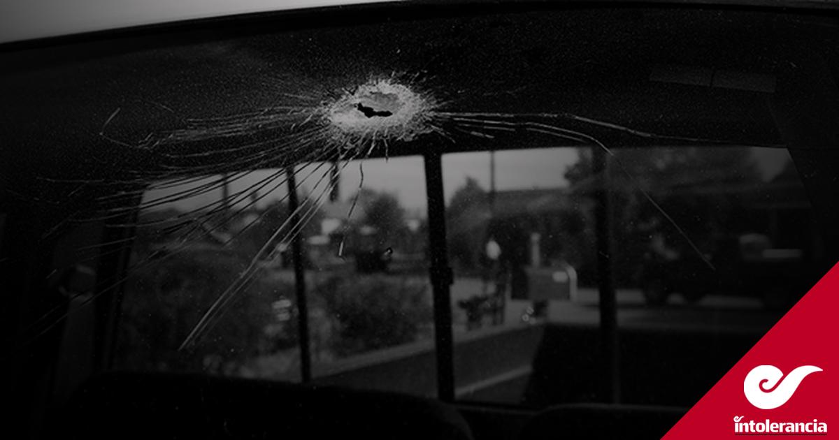 A punta de pistola asaltan a clientes de taquería de Santa Ana Xalmimilulco