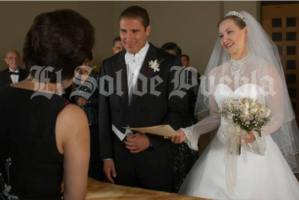 02/2014: Martha Erika y Rafael Moreno Valle contrajeron nupcias.