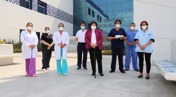Dona Ayuntamiento de San Andrés equipo para estudios histopatológicos a Hospital General de Cholula