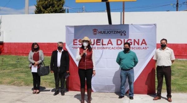 Programa Escuela Digna da infraestructura en San Mateo Capultitlán