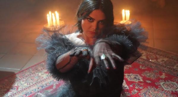 """Yuridia, la reina de la balada, ofrece su nuevo tema desgarrador """"Él lo tiene todo"""""""