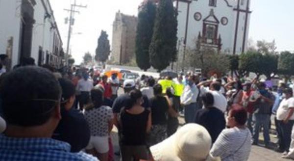 Piden habitantes de Tecali evitar llegada de reos con Covid-19