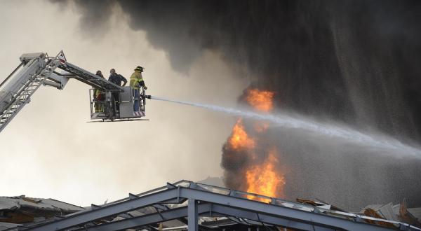 Se registra nuevo incendio en puerto de Beirut; acusan sabotaje