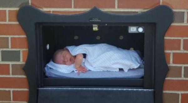 Aprueban en Bélgica instalación de buzón para abandonar bebés