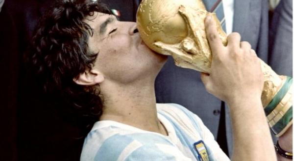 Por muerte de Maradona, Argentina decreta tres días de luto nacional