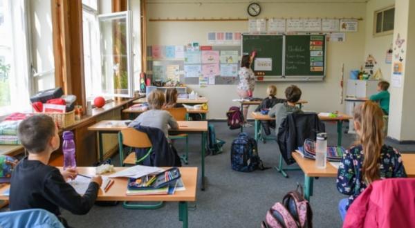 Comienza Croacia pruebas de antígeno de COVID-19 en escuelas