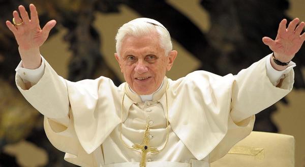 Reportan a Benedicto XVI 'extremadamente frágil'; tendría erisipela