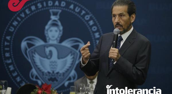 """Lamenta Alfonso Esparza que el gobierno use las instituciones para """"venganzas personales"""""""