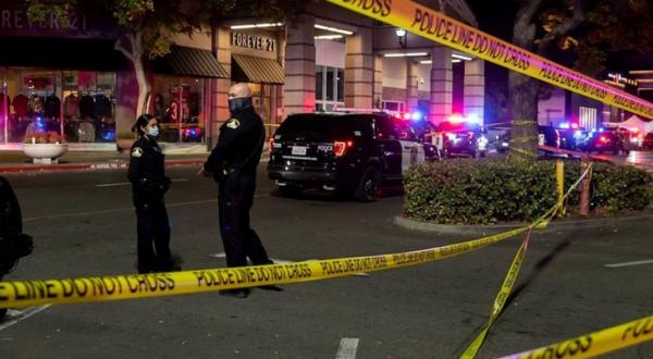 En California muere una persona durante tiroteo en centro comercial