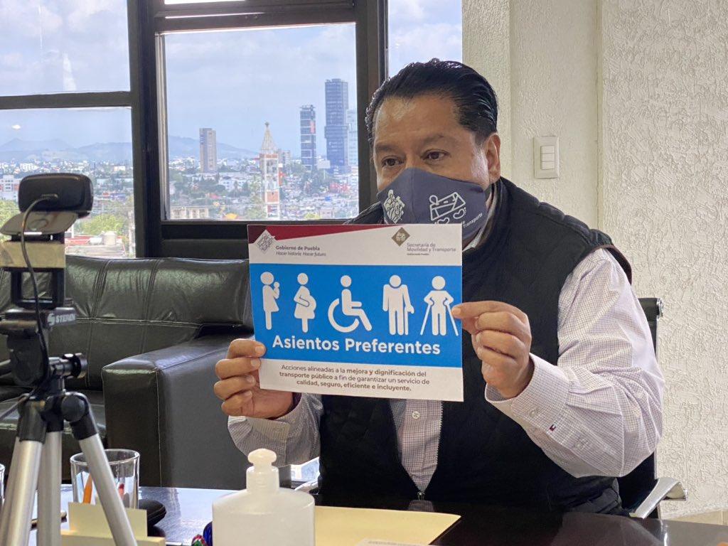 Concesionarios deben reservar lugares en transporte público para adultos mayores y discapacitados