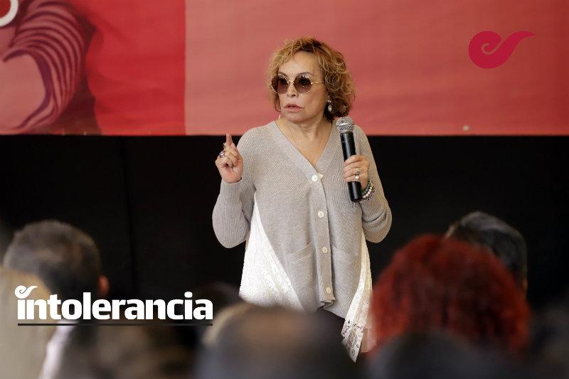 De rutina, la visita de Elba Esther Gordillo al Hospital Ángeles del Pedregal