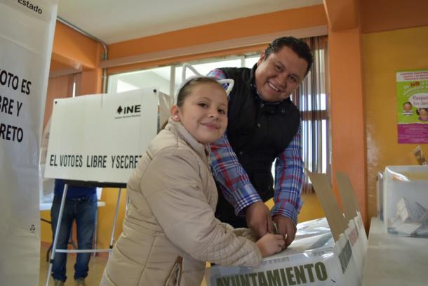 06/2018 | El candidato Juárez Méndez votando en las elecciones del 2 de Julio.