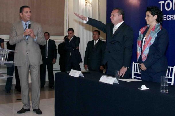 07-2011 | Arabian presentó su renuncia; Néstor Gordillo tomó protesta