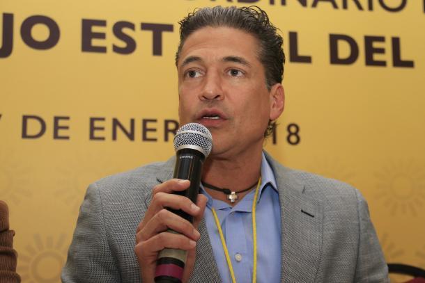 01/2018: Se convirtió en dirigente estatal del PRD en Puebla